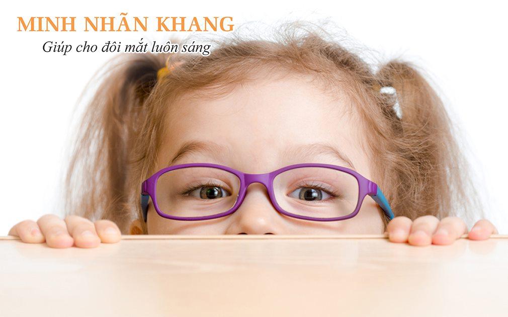 Người mắc tật khúc xạ ở mắt nặng, nhỏ tuổi sẽ dễ gặp biến chứng sau phẫu thuật Lasik